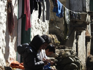 Smart phones in Namche